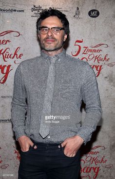 New Zealand actor and director Jemaine Clement attends the premiere of the film 'What We Do in the Shadows' (German title: 5 Zimmer Kueche Sarg) on October 17, 2014 in Berlin, Germany.