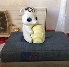 Vintage White and Black Skunk With His Hive of Honey Salt and Pepper Shaker Set, Collectible Skunks, Ceramic Shakers, Skunk Shakers by LakesideVintageShop on Etsy