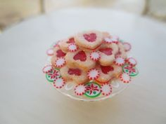 Dollhouse Miniatures  Ann Caesar IGMA Jam Heart Cookies on Plate Valentine's Day