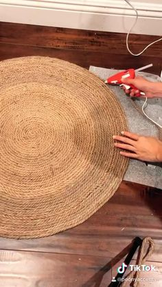 Diy Crafts For Home Decor, Diy Crafts Hacks, Diy Room Decor, Indian Room Decor, Wall Decor Crafts, Paper Wall Decor, Creative Crafts, Jute Crafts, Tree Rope