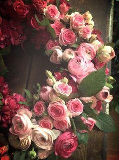 i love a wreath of living beauties