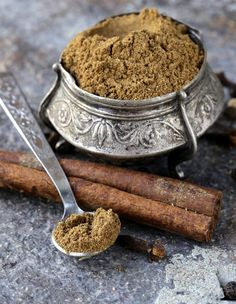 Comment utiliser le Garam masala en cuisine Plus Garam Masala Powder Recipe, Masala Recipe, Ginger Ale, Superfood, Ayurveda, Curry Spices, Spices And Herbs, Exotic Food, Indian Dishes