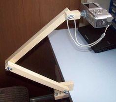 How to make an overhead a DIY Camera Tripod Woodworking Garage, Woodworking For Kids, Woodworking Joints, Woodworking Patterns, Woodworking Projects, Woodworking Beginner, Woodworking Organization, Woodworking Lamp, Intarsia Woodworking