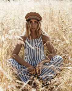creative fashion photography that are cool Creative Fashion Photography, Fashion Photography Inspiration, Photoshoot Inspiration, Fashion Inspiration, Fashion Trends, Summer Photography, Vintage Photography, Portrait Photography, Nature Photography