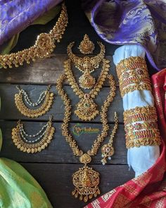 All the Best South Indian Bridal Jewellery Sets Are Here To Shop! • South India Jewels Fine Wedding Jewelry, Wedding Jewellery Designs, Bridal Jewellery Inspiration, Indian Jewellery Design, Wedding Accessories, Jewelry Design, South Indian Bridal Jewellery, Indian Jewelry Sets, Gold Temple Jewellery
