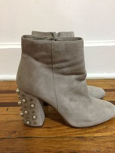 410e11c7e3b (eBay link) Womens Steve Madden ankle boot Heals shoe size 10M taupe pre-