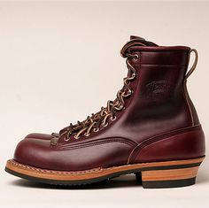 found this wonderful classic WHITE'S SMOKE JUMPER at japanese EMPTY GARAGE. this lace-to-toe boot is made of burgundy chromexcel leather com...