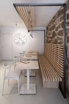 restaurant interieur Erbalunga estudio Combines Old And New For The Design Of Le Crpe da Pa - Restaurant Design, Deco Restaurant, Restaurant Interiors, Cafe Interiors, Cafe Interior Design, Cafe Design, Modern Interior Design, Design Design, Design Ideas