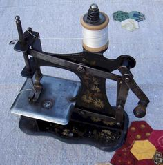 Speelgoed naaimachientjes toy sewing on pinterest for Machine a coudre jouet