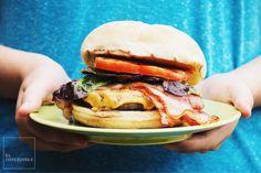 Así es cómo se prepara una hamburguesa BBQ
