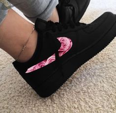 shoes - Oh My God nike sneakers airforceone CoinOku Jordan Shoes Girls, Girls Shoes, Sneakers Nike Jordan, Girls Sneakers, Shoes Men, Jordans Sneakers, Sneakers Fashion, Fashion Shoes, Fashion Black