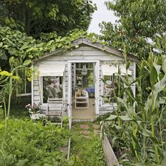 """7 Tips for Creating Your Very Own """"She Shed""""  - CountryLiving.com"""