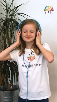 Coole Kinderkleidung für coole Kids. T-Shirts mit austauschbaren Motiven & Smileys, die die Stimmung des Kindes anzeigen. Smileys, Baby Kind, Kind Mode, Cute Kids, Babys, Sticker, Trends, Tops, Fashion