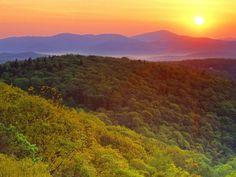 http://www.fondosparapantalla.com/albums/fondos-paisajes/Grandfather-Mountain-North-Carolina-USA-001.jpg