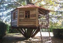 Childrens treehouse den