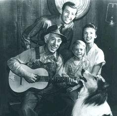 The Martins- Paul (Hugh Reilly), Ruth (Cloris Leachman), Timmy (Jon Provost), Uncle Petrie (George Chandler) & Lassie