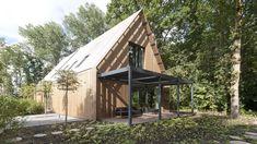 Op landgoed Duivenvoorde wordt deze bijzondere duurzame schuurwoning in het projectgebied Haagwijk gerealiseerd. Lees meer en bekijk het filmpje!