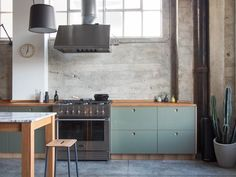 Photo 305 of 431 in Best Kitchen Photos from Modern Kitchen Upgrade Ideas From a Danish Design Firm That's Challenging the Kitchen Market - Dwell Rustic Country Kitchens, Cocinas Kitchen, Concrete Kitchen, Concrete Floor, Kitchen Wood, Kitchen Upgrades, Kitchen Photos, Cuisines Design, Interior Exterior