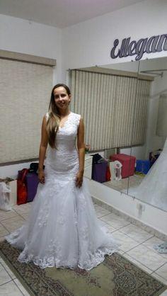 Casamento da Nat...Além dos ajustes fizemos tb os bordados  em pedrarias  no vestido dela.