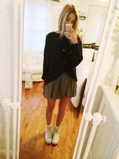 brandy melville skirt and necklace, forever 21 sweater, converse