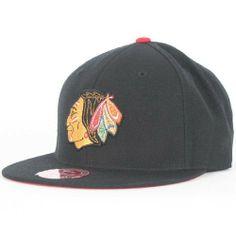 ea0c132150c NHL Mithchell   Ness Chicago Blackhawks Black Vintage Logo Fitted Hat (7 1 2