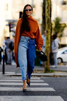 Best Street Style From Paris Fashion Week The Best Street Style From Paris Fashion Week - Style Style is a manner of doing or presenting things. Style may refer to: Fashion Week, Fashion Outfits, Paris Fashion, Fashion Tips, Fashion Trends, Fashion Ideas, Style Fashion, 50 Fashion, Fashion 2018