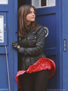 Jenna Coleman, Doctor Who set Jenna Coleman, Doctor Who, Hot Doctor, Tv Girls, Clara Oswald, Red Skirts, Blackpool, Bikini Pictures, Bikini Photos
