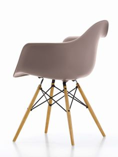 Perfekt Buy The Eames Plastic Armchair DAW By Vitra, The Legendary Seating Classic  By Charles U0026 Ray Eames, Available In Our Interior Design Shop.