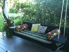 How to Make A Porch Swing - http://www.bluelittlewolf.com/how-to-make-a-porch-swing/