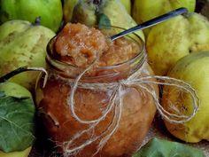 Gem de gutui - CAIETUL CU RETETE Pretzel Bites, Moscow Mule Mugs, Pickles, Cucumber, Deserts, Bread, Vegetables, Tableware, Food