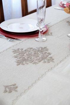 Tovaglia Artigianato sardo, realizzata a mano. #artesarda #artigianato #sardegna #artigianatosardo #sardinia #handmade #handicraft #crafts #home #decor #homedecor