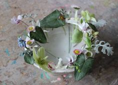 Flower Arranging a la Parisienne : these vases make the flowers POP!