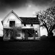 abandoned by aimeelikestotakepics.deviantart.com  I love photos like this. Wonder if the house is still standing today?