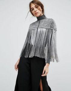 Capa gris con adornos de borlas de ASOS