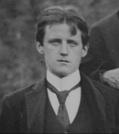 Hey James Joyce, it's really nice out today. mydaguerreotypeboyfriend: Dublin, Ireland… this is Joyce from his university days. What a babe! James Joyce, Book Writer, Book Authors, Books, Writers And Poets, People Of Interest, Book People, Daguerreotype, Playwright