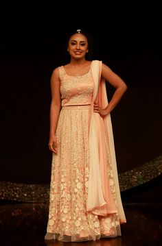 Pearle maaney in cream coloured bridals. costume by pranaah