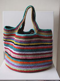 Crochet The Lucy bag pattern from Attic I like the handles on this one. Love, Lucy bag pattern from Attic I like the handles on this one. The Lucy bag pattern from Attic I like the handles on this one. Crochet Diy, Crochet Tote, Crochet Handbags, Crochet Purses, Crochet Crafts, Ravelry Crochet, Crochet Ideas, Attic 24 Crochet, Crochet Baskets