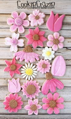 Someone requested pink flowers for a bridal shower. Since I love to make flower cookies and I love PINK.this was a order I dove right into. Mother's Day Cookies, Summer Cookies, Fancy Cookies, Iced Cookies, Cut Out Cookies, Easter Cookies, Birthday Cookies, Cupcake Cookies, Graduation Cupcakes