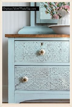 Embossed Dresser | Furniture Painting Tips and Makeover
