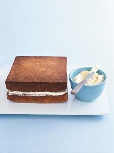 Best butter cream icing recipe - Donna hay whipped vanilla icing.