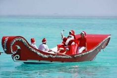 Santa's sleigh in the Maldives. Yes, there's also Christmas in the Maldives. Nautical Christmas, Tropical Christmas, Beach Christmas, Father Christmas, All Things Christmas, Christmas Holidays, Merry Christmas, Caribbean Christmas, Winter Holidays
