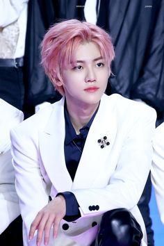 Image in na jaemin -:♡:- collection by -:♡:- Nct 127, Lucas 2, Nct Dream Jaemin, Na Jaemin, Kpop Boy, Taeyong, Jaehyun, K Idols, Pop Group