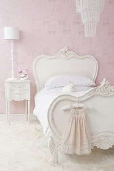 sophisticated pink bedroom