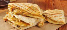 Una cena divertida y deliciosa y para todos los públicos son las quesadillas mexicanas. Se pueden preparar de muchas maneras pero proponemos hacerlas con ...