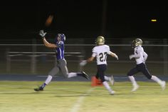 SAFFORD — The Benjamin Franklin Chargers brought their 6-1 record from Queen Creek to Safford Bulldogs stadium for the first-ever meeting of these two programs.