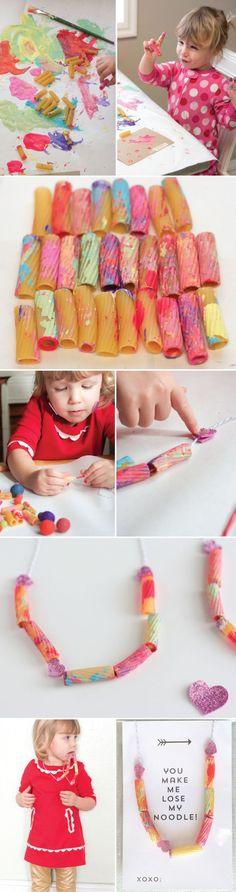 Collares con macarrones pintados. Summer, vacations, DIY, kids, verano, vacaciones, crafts, #goodcaremx