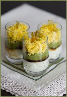 Crema de espárragos con huevo y caramelo