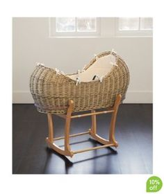 Mothercare The Snug Moses Basket - maybe for the next mini-me? Rh Baby, Mom And Baby, Baby Love, Baby Bassinet, Baby Cribs, Baby Dolls, Baby Baskets, Baby Couture, Moses Basket