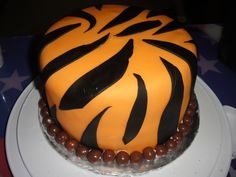 Tiger Cake! white and black for a white tiger