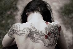 hair tattoos, emo girls, art, body mods, back tattoos, body modifications, shoulder tattoos, eye, ink